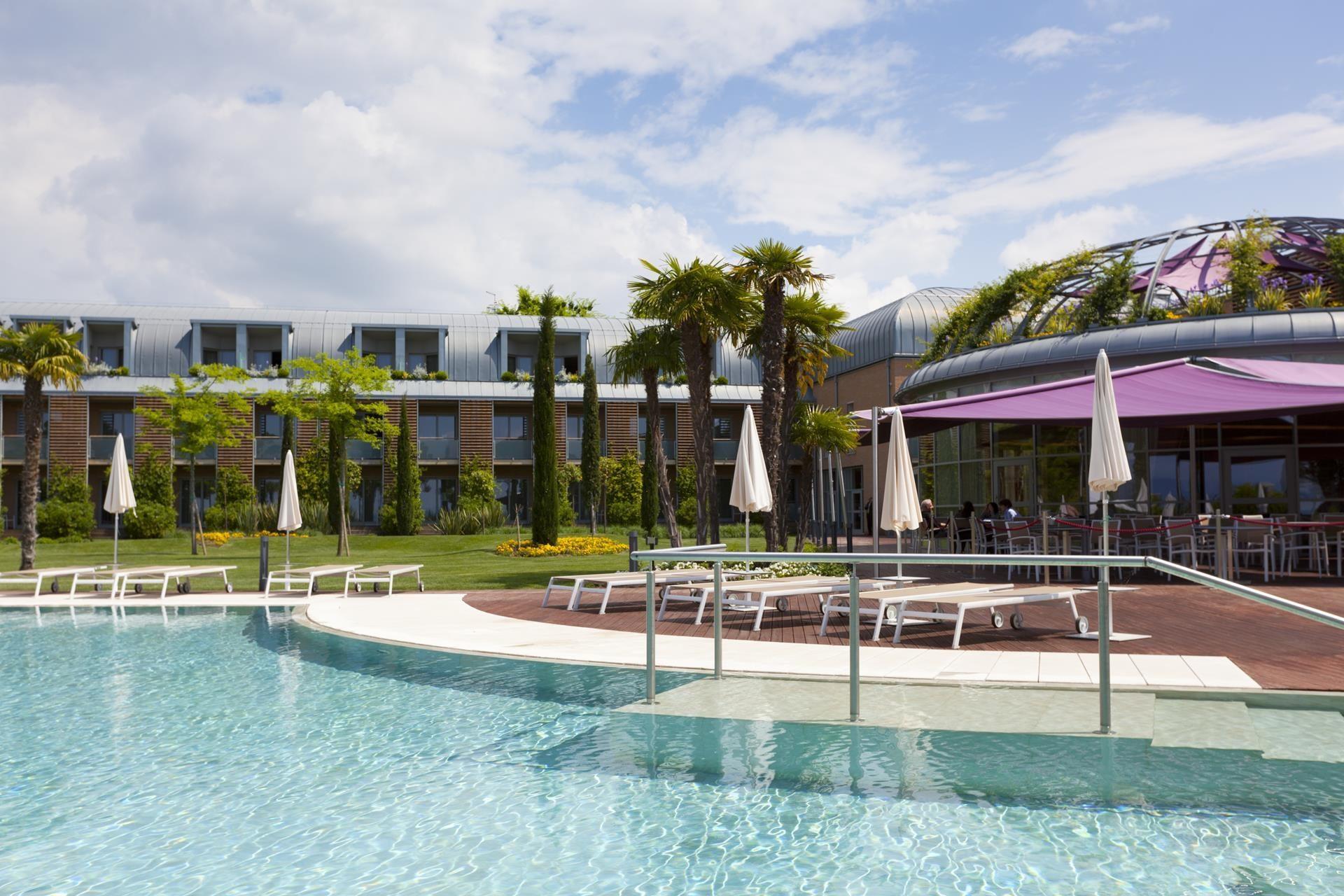 Spa 4 stelle lago di garda hotel corte valier for Hotel spa 13