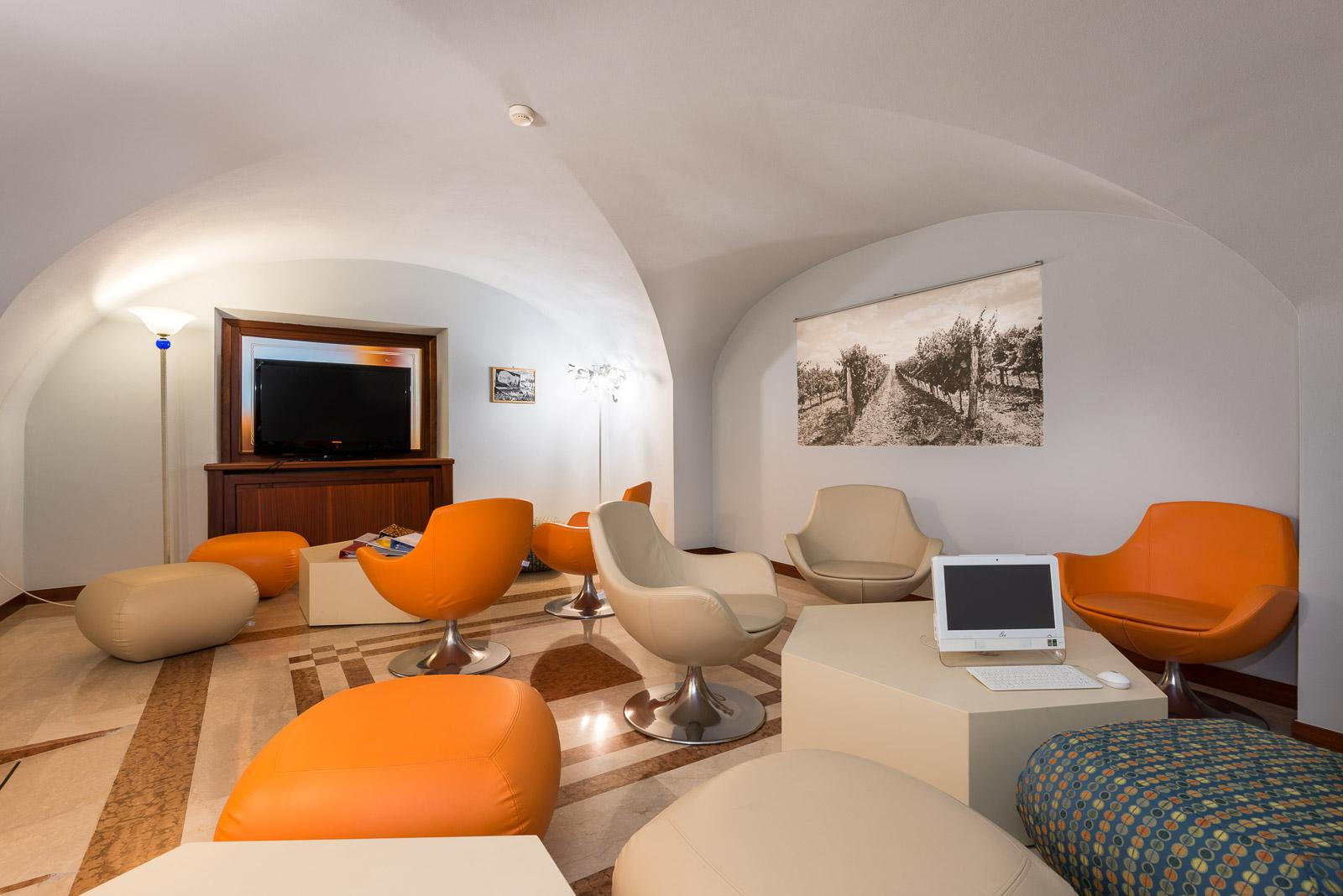 hotel-villa-nicolli-business-lounge