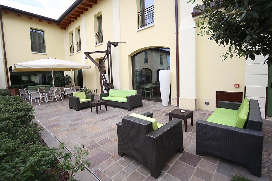 The ziba hotel spa peschiera for Resort termali in cabina