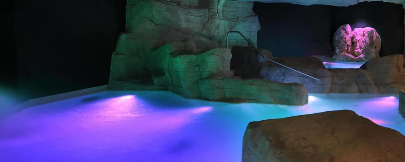 Hotel sirmione con piscina coperta casamia idea di immagine - Hotel lago garda piscina coperta ...